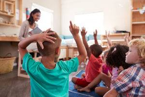 bilingual-preschool-teaching-300x200